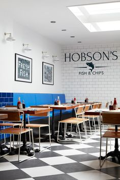Seafood restaurante branding fish and chips 57 ideas for Fish And Chips Restaurant, Taco Restaurant, Restaurant Design, Restaurant Concept, Cafe Design, Flyer Design, Seafood Shop, Coffee Shop Bar, Fish And Chip Shop