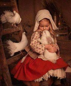new ideas children photography country animals Precious Children, Beautiful Children, Cute Babies, Baby Kids, Cute Kids Pics, Jolie Photo, Animals For Kids, Vintage Children, Art Children