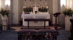 matrimonio: fiori per interno. cappella Castello di Santa Maria Novella