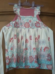 Girl's dressing up apron; upcycling     t-shirt and dress
