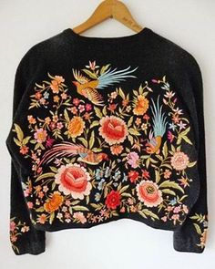 embroidered sweater - a fav. style of mine embroidered sweaters Mode Style, Style Me, Look Fashion, Womens Fashion, Mode Inspiration, Pulls, Knitwear, What To Wear, Ideias Fashion