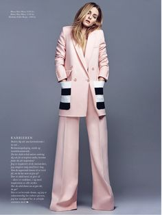 For ELLE Denmark's October 2016 issue, Olivia graces the cover along with a gorgeous 10-page spread featuring some of our favorite trends for Fall (suiting, cropped flares and corset accents to lis...
