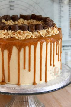 A Delicious, Dreamy, Sweet & Salty Cake that everyone will enjoy. A Salted Caramel Drip Cake to beat all others, the true showstopper! Caramel Drip Cake, Salted Caramel Cake, Salted Caramels, Caramel Cakes, Drip Cake Recipes, Baking Recipes, Dessert Recipes, Baking Desserts, Master Chef
