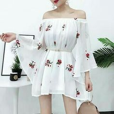 Image may contain: one or more people and people standing Korean Girl Fashion, Korean Fashion Trends, Ulzzang Fashion, Asian Fashion, Girls Fashion Clothes, Teen Fashion Outfits, Cute Fashion, Fashion Dresses, Korean Dress