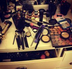 Haifa, Beauty Sale, Organising, Makeup Collection, Hair Makeup, Eyeshadow, Vanity, Make Up, Classy