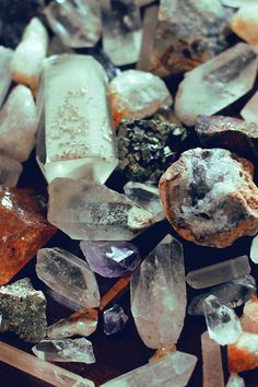 Crystal Lovers: Welcome to Mineraliety (+ Giveaway!)