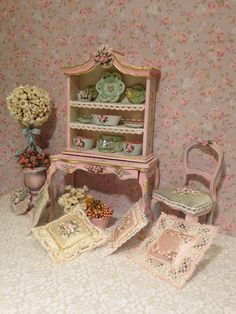 Cupboard with pink flowers Hand painted furnitures Hand Painted Furniture, Recycled Furniture, Paint Furniture, Miniature Furniture, Dollhouse Furniture, Little Houses, Tiny Houses, My Doll House, Color Rosa