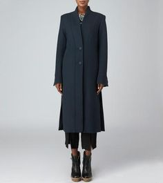 Long navy coat with buttons – Maiyet. Fashion Capsule, Fashion Outfits, Minimalist Fashion, Minimalist Outfits, Minimalist Style, Stylish Winter Coats, Stylish Work Outfits, Slow Fashion, Everyday Outfits