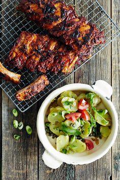 Perunasalaatti ja grilliribsit | K-ruoka #grillaus Koti, Tandoori Chicken, Salad, Meat, Ethnic Recipes, Salads, Lettuce