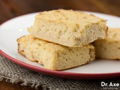 This Lemon Protein Bars Recipe is a great snack to eat on the run! They're delicious, healthy and easy to make!