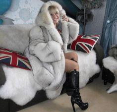 WHITE SILVER BLUE FOX FUR COAT WITH HOOD L/XL GORGEOUS!! UNISEX
