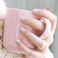 """爪先から春を先取り♡桜色から苺色までナチュラルな""""ピンクネイル""""を楽しもう"""