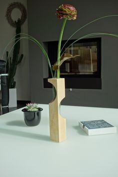 Dekorative #Holzvase aus Ahorn. #wirliebenholz #holz #accessoires #inneneinrichtung #shop