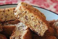 An easy and delicious South African All Bran Rusks recipe that used easy accessable pantry ingredients to deliver a delicious bran rusk. Kos, Buttermilk Rusks, Rusk Recipe, Hard Bread, Healthy Breakfast Snacks, All Bran, South African Recipes, Mouth Watering Food, Dessert Bread