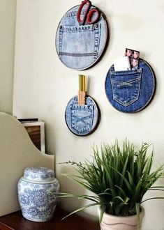 This is too CUTE! Create these Upcycled Denim Pocket Organizer to tame your clut… This is too CUTE! Create these Upcycled Denim Pocket Organizer to tame your clutter. Easy craft idea to organize your craft room. Upcycled Home Decor, Upcycled Crafts, Artisanats Denim, Denim Fabric, Denim Shorts, Thrift Store Crafts, Thrift Stores, Dollar Stores, Deco Originale