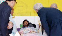 [경향포토]종교지도자 만나는 김영오씨