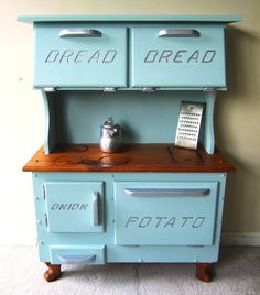 Bread Box / Potato & Onion Bin ♥