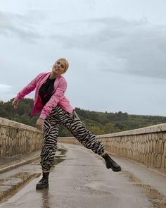#iMikriOllandeza #MikriOllandeza #casualstyle #ootd #everydaystyle #casualfashion #everydayfashion #howto #howtostyle #zebraprint #zebrapants #drmartens #drmartensoutfit #aesthetic #2020 #egirl #altgirl #blonde #blondehair #blondegirl #pinkbomber #pinkbomberjacket #alphaindustries #alphaindustriesbomber #autumnoutfit #autumnfashion #autumnstyle #autumn2020 #springoutfit #springfashion #springstyle #spring2020 Dr Martens Outfit, Spring Fashion, Autumn Fashion, Pink Bomber Jacket, Zebra Print, Dr. Martens, Everyday Fashion, Blonde Hair, Ootd