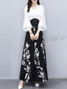Korean Fashion Dress, Muslim Fashion, Hijab Fashion, Fashion Dresses, Batik Fashion, Stylish Dresses, Stylish Outfits, Casual Dresses, Lace Dresses