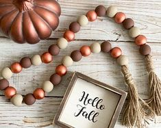 Christmas Bead Garland, Fall Garland, Wood Bead Garland, Diy Garland, Beaded Garland, Garland Ideas, Fall Crafts, Holiday Crafts, Crafts To Make