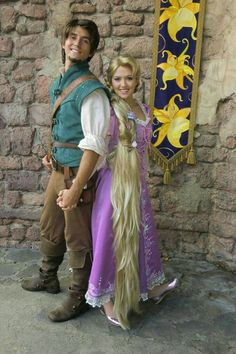 Celebrate Halloween with some DIY Disney Halloween Costumes. Here are best Disney movies based DIY Halloween costumes for kids, adults, couples and family. Disney Cosplay, Couples Cosplay, Rapunzel Cosplay, Rapunzel Outfit, Disney Halloween Costumes, Halloween Cosplay, Diy Halloween, Disney Couple Costumes, Halloween 2020