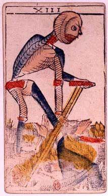 L'arcane sans nom : l'arcane numéro 13 du tarot de Marseille. Une arcane sinistre puisqu'elle représente un squelette qui semble avancer avec une canne.  Elle représente l'aboutissement d'une situation, la fin d'une chose, et le début de quelque chose de nouveau.