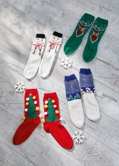 """In keeping with the """"ugly sweater"""" trend, the designer duo """"Club Geluk"""" … – socken stricken Christmas Knitting Patterns, Knitting Patterns Free, Free Knitting, Baby Knitting, Crochet Patterns, Knitting Ideas, Knitted Christmas Stockings, Christmas Trends, Knitted Flowers"""