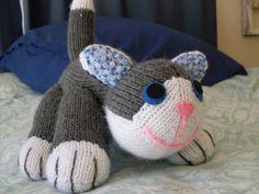 RC Handgemaak: Gebreide Kat Knitted Cat, Beanie, Cats, Stuff To Buy, Gatos, Beanies, Cat, Kitty, Kitty Cats