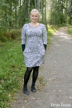 Kätilön Käsistä: Ehta-kaavan testailua Handmade Clothes, Dresses With Sleeves, Jersey, Knitting, Formal Dresses, Lady, Sewing Ideas, Long Sleeve, Sweaters