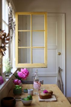 Freunde von Freunden — Lili Cuzor & Elijah Pointer — Floral Artist and Mixologist , House and Neighborbood, Silver Lake, Los Angeles — http:...