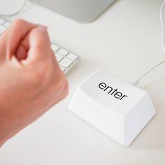 Libérate del estrés golpeando una tecla gigante (¡que en realidad funciona!).