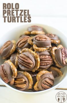 Pretzel Rolo Turtles - these tasty and cute pretzel rolo turtles are only 3 ingredients, take less than 10 minutes to make, and are a perfect sweet and salty treat. They're perfect to munch on or for a neighbor treat for the holidays Easy and good! Holiday Desserts, Holiday Baking, Christmas Baking, Just Desserts, Holiday Recipes, Delicious Desserts, Dessert Recipes, Yummy Food, Easy Candy Recipes