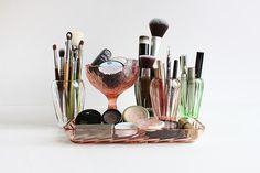 Inspiring Makeup Storage Ideas on Pinterest Photo 23