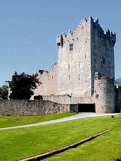 Ross Castle. Killarney, a roomy rental for a family reunion