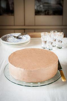 Como cubrir con crema una tarta de capas