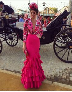 This for formal events Fashion Wear, Love Fashion, Fashion Show, Fashion Outfits, Beautiful Dresses, Nice Dresses, Formal Dresses, Estilo Cowgirl, Mexican Dresses