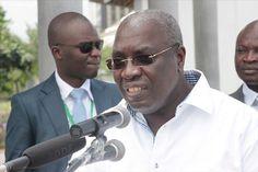 ABIDJAN, 1er décembre (Xinhua) -- Le ministre ivoirien en charge de la Défense Paul Koffi Koffi a réitéré dimanche à Abidjan son appel aux ex-combattants de la crise post-électorale de dé poser les armes. L