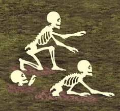"*NEW* Halloween Lawn Art Yard Shadow/Silhouette - ""Rising Skeletons"" Up to Halloween Prop, Halloween Yard Displays, Halloween Yard Art, Halloween Wood Crafts, Holidays Halloween, Halloween Decorations, Halloween Stuff, Halloween Costumes, Halloween Season"