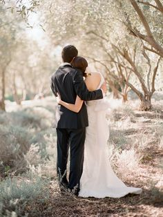 I love this photographers style!  I want her to do my wedding some day