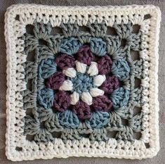 Lily Pad granny square pattern #crochetblankets
