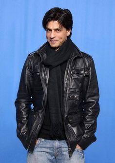 Love You Shahrukh 🖤 Misha-Maryam. Bollywood Stars, Bollywood Theme, Kareena Kapoor Khan, Deepika Padukone, Indian Man, King Of Hearts, Ranveer Singh, Hrithik Roshan, Katrina Kaif