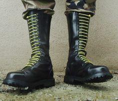 Skinhead Boots, Skin Head, Shoe Boots, Men's Boots, Mens Attire, Butches, Doc Martens, Rubber Rain Boots, Work Wear