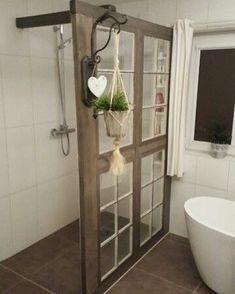 Framing A Basement, Shower Cabinets, Diy Casa, Rustic Bathrooms, Primitive Bathrooms, Rustic Bathroom Decor, Small Bathrooms, Rustic Bathroom Designs, Rustic Bathroom Vanities