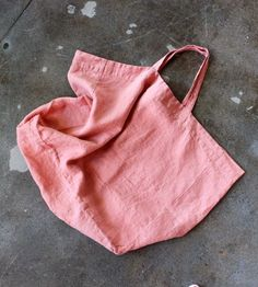 love this coral linen tote. Diy Tote Bag, Linen Bag, Fabric Bags, Big Bags, Cotton Bag, Cloth Bags, Beautiful Bags, Fashion Bags, Purses And Bags