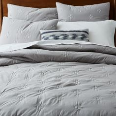 west elm offers modern bedding sets that feature comfort and style. Shop bedroom accessories, including pillows, throws, and duvet covers. Linen Duvet, Bed Linen Sets, Bed Linen Online, Grey Quilt, One Bed, Bedroom Accessories, High Quality Furniture, White Rooms, City Living