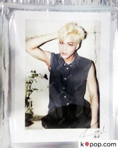 K2POP - [SM OFFICIAL GOODS] EXO (KAI) POSTER WITH SIGNATURE ( LIMITED EDITION ) VER.2