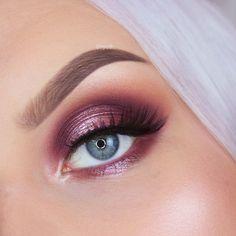 To create this look I used: Makeup Geek Eyeshadows - Bitten, Cherry Cola, Creme Brulee and Showtime Makeup Geek Sparkler - Halo Makeup Geek x Kathleen Ligh