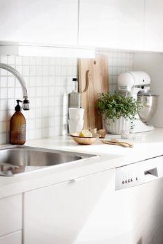 Interieur   Keuken styling met broodplanten