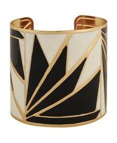 Love this black and white cuff! Geometric art deco white, black and gold cuff bracelet. Arte Art Deco, Moda Art Deco, Estilo Art Deco, Bijoux Art Deco, Art Deco Jewelry, Vintage Jewelry, Fine Jewelry, Women's Jewelry, Jewelry Trends