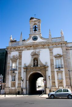 The entrance to the old town. Spot the storks. Faro Portugal, Spain And Portugal, Places To Travel, Places To See, Places Ive Been, Sea Activities, Portugal Travel Guide, Algarve, Old Town